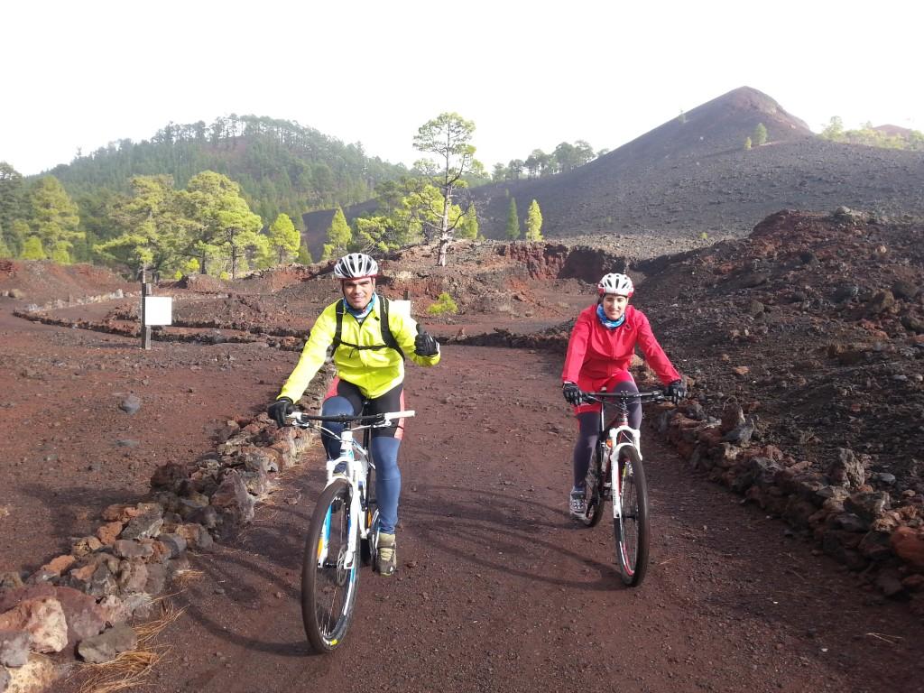 Cargando mapa.... Volcán ChinyeroGuía de Isora - Guía de IsoraEventos 28.2111111 -16.778333299999986 Fecha/Hora Date(s) - 22/06/2014Todo el día Ubicación Volcán Chinyero Categorías No Categorías Esta ruta es una de más espectaculares de la Isla de Tenerife. Transcurre mayormente entre pistas de picón negro rodeadas de pinar canario y coladas volcánicas. […]